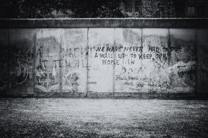 keine Mauer